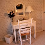 Wicker desk mirror and chair